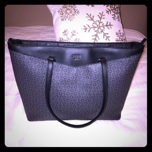 GUESS Tote w/ multiple pockets